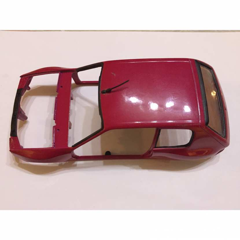 Carcasse coque pièce détachée miniature Solido Peugeot 205 gti 1/18 diorama