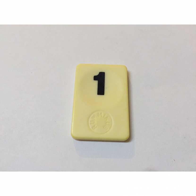 chiffre 1 de couleur noir pièce détachée du jeu de société le rummikub le rami des chiffres de 1986 de marque MB