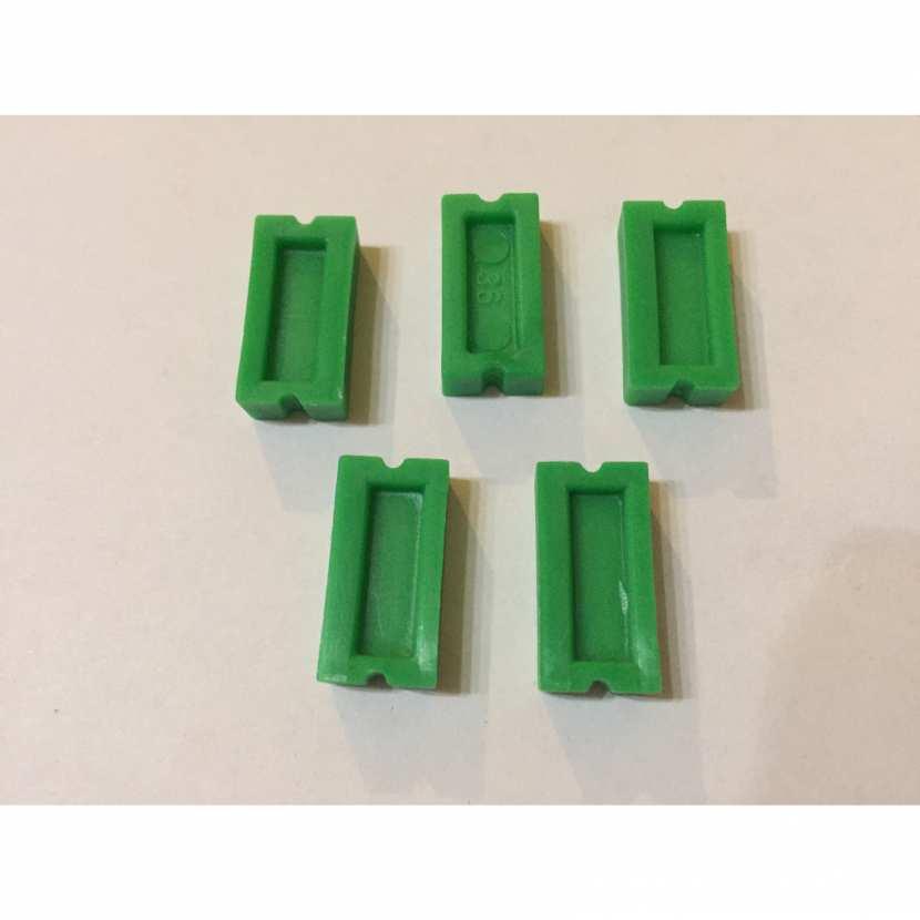 dominos de couleur verte pièce détachée du jeu de société dominos cascades de la marque faiplast