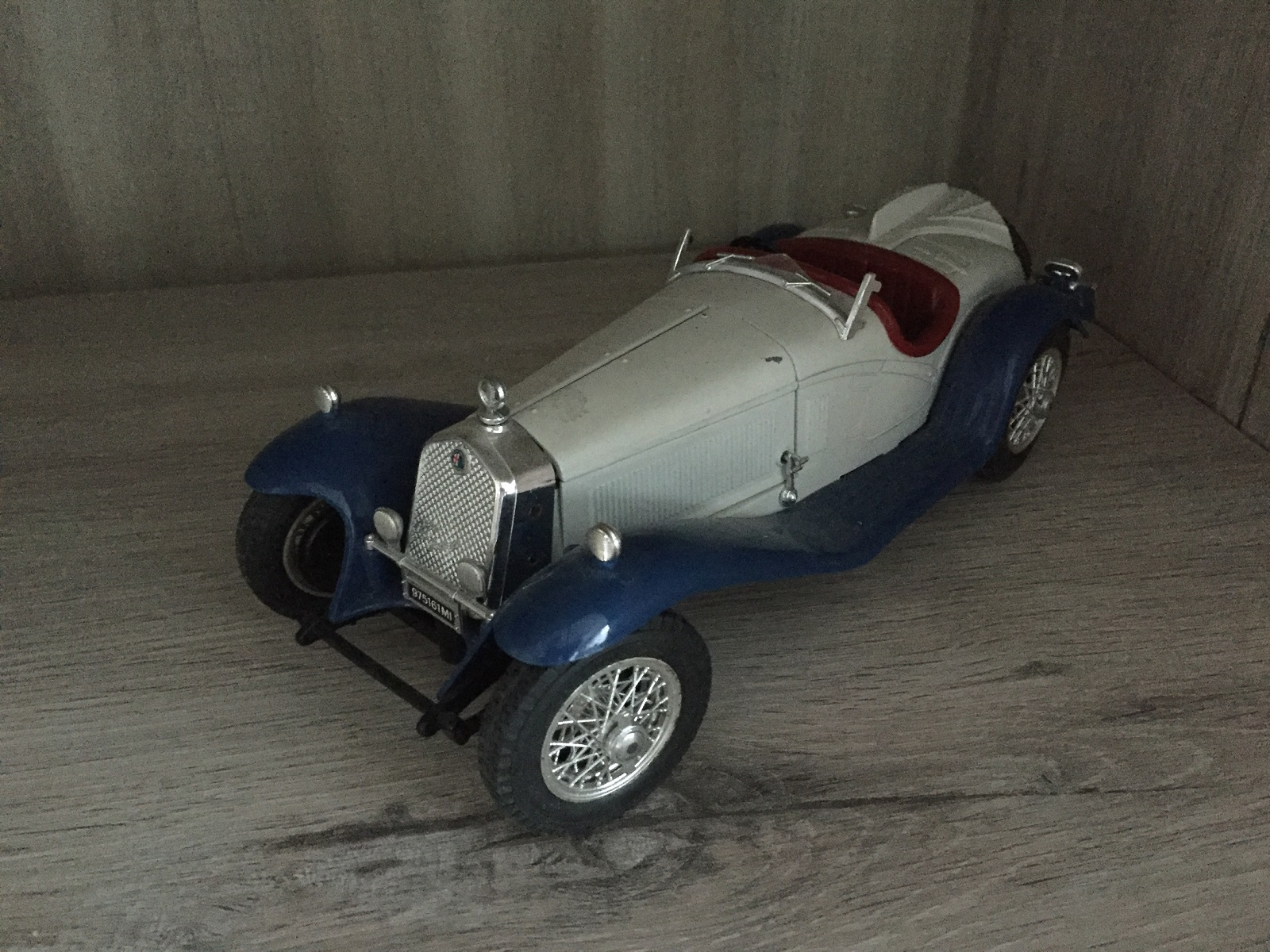 BURAGO ALFA ROMEO 2300 SPIDER 1938 1/18 1/18E 1/18EME