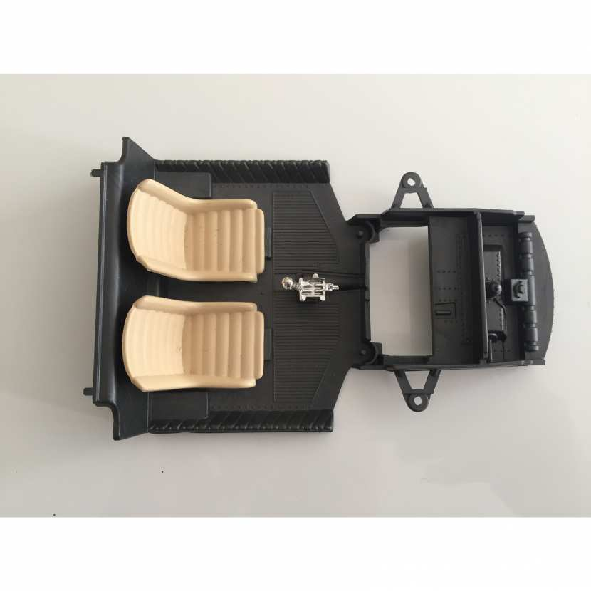 intérieur châssis socle siège pièce détachée miniature voiture de collection modèle réduit Ferrari 250 le mans de 1965 de taille 1/18ème