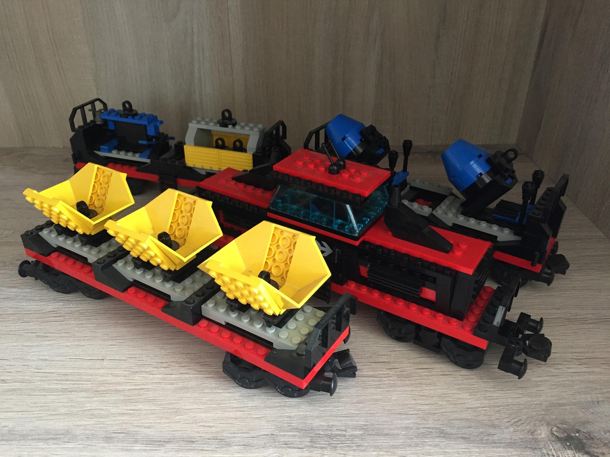 LEGO SYSTEM 4565 TRAIN DE MARCHANDISE RAILWAY 9V