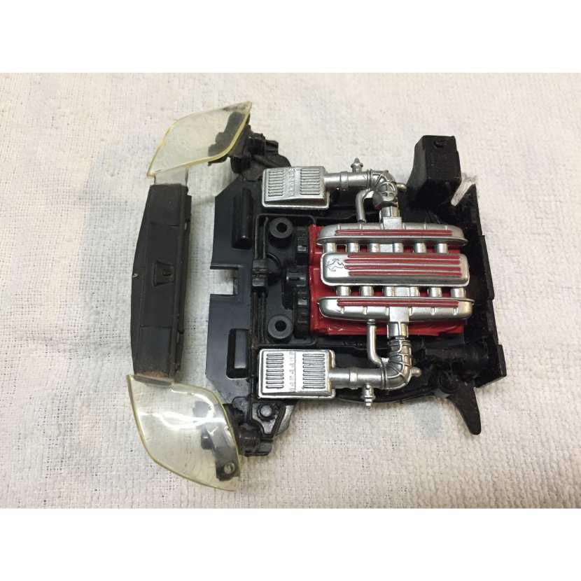 moteur pièce détachée voiture de collection modèle réduit miniature de marque Hot wheels Ferrari 550 maranello de taille 1/18
