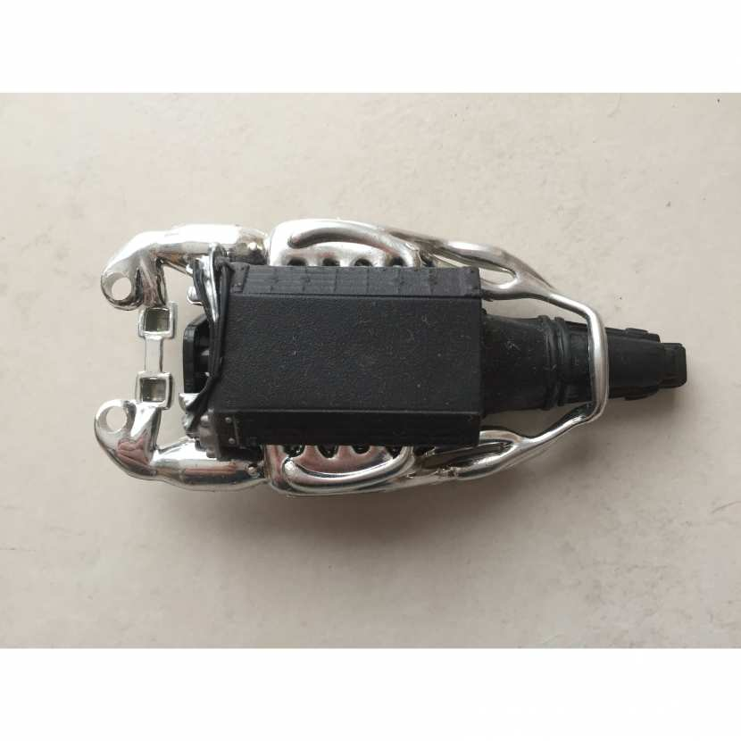 moteur pièce détachée voiture de collection modèle réduit miniature de marque Maisto Lamborghini murcielago LP640 de taille 1/18