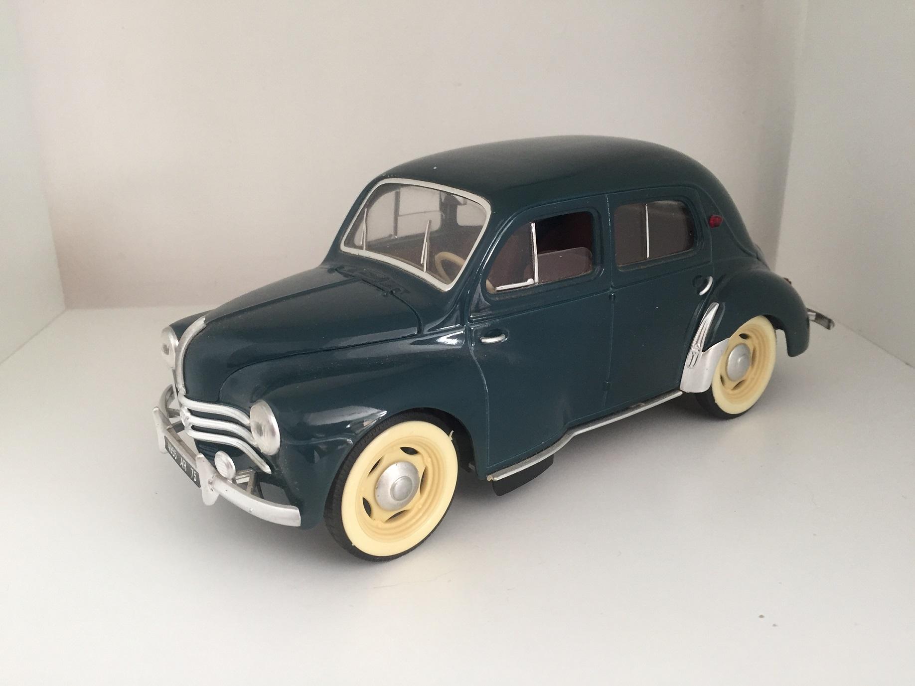 Retrouvez toutes les pièces détachées de votre miniature Renault 4CV de taille 1/17 1/17e 1/17eme de marque Solido
