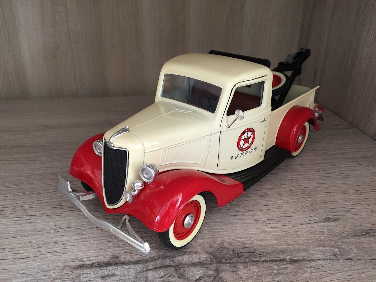 pièce détachée miniature Solido Ford V8 1936 Texaco dépanneuse 1/19