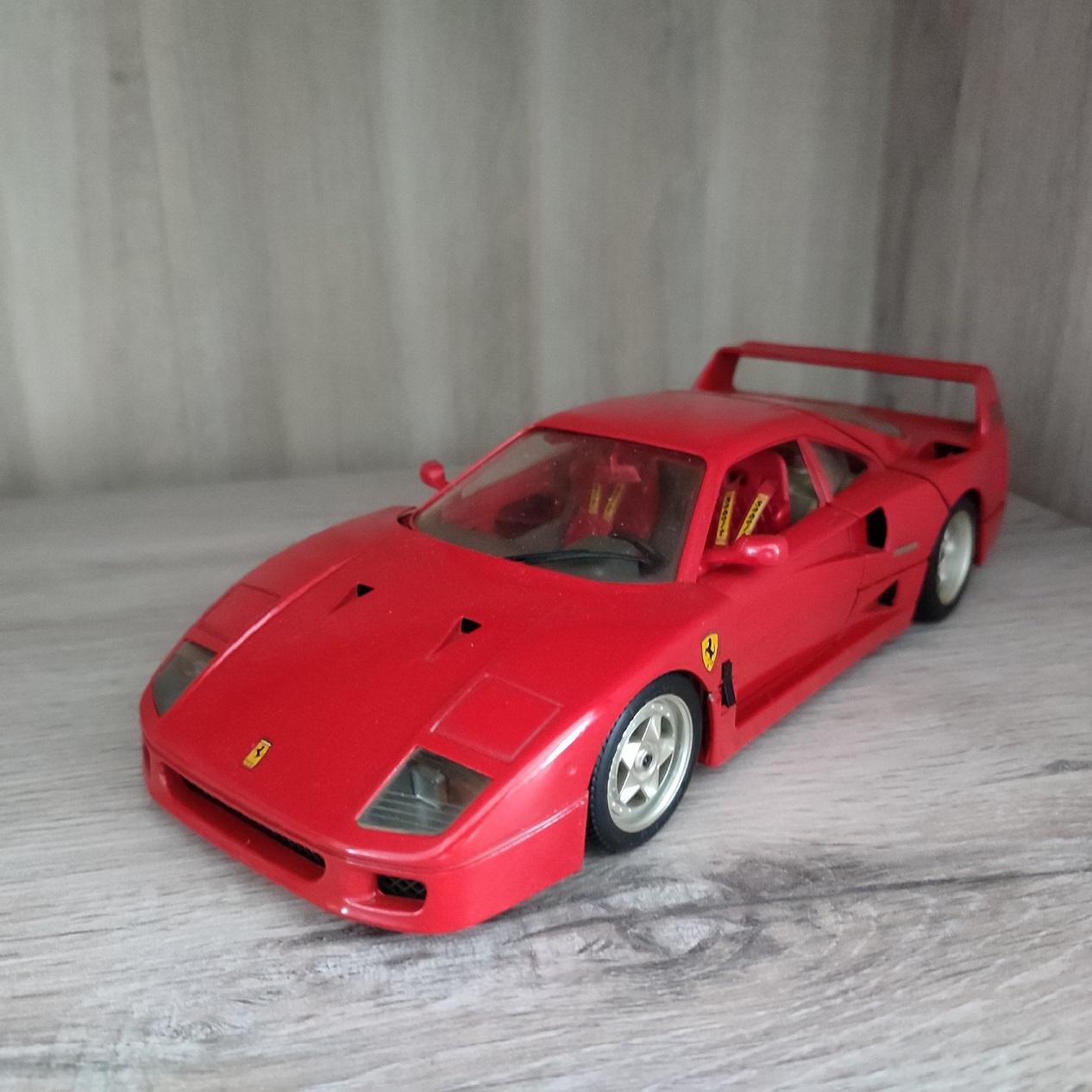 pièce détachée miniature ferrari F40 burago 1.18