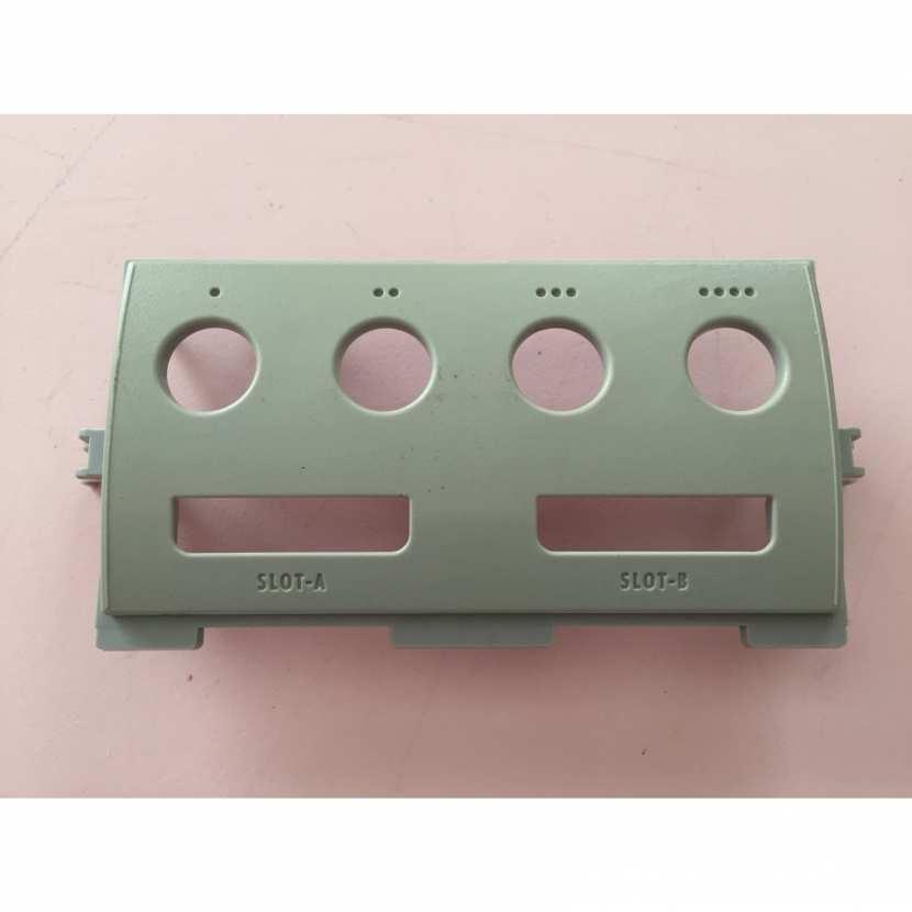 Plasturgie coque avant port manette pièce détachée pour console de jeu de marque Nintendo Gamecube type DOL-001 JPN version japonaise de couleur grise