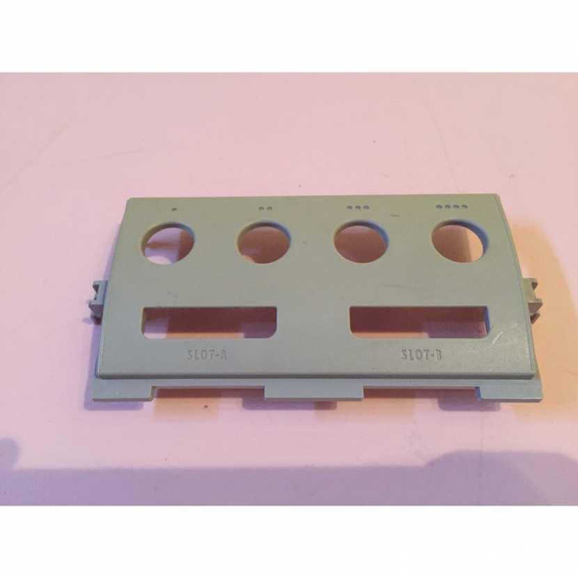 Plasturgie façade coque avant pièce détachée pour console de jeu de marque Nintendo gamecube DOL-101 JPN version japonaise de couleur violette
