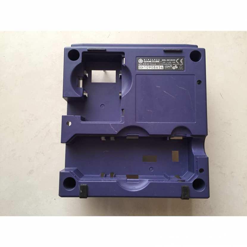 Plasturgie inférieur coque du dessous pièce détachée console de jeu de marque Nintendo et de type Gamecube DOL-001 EUR de couleur violette