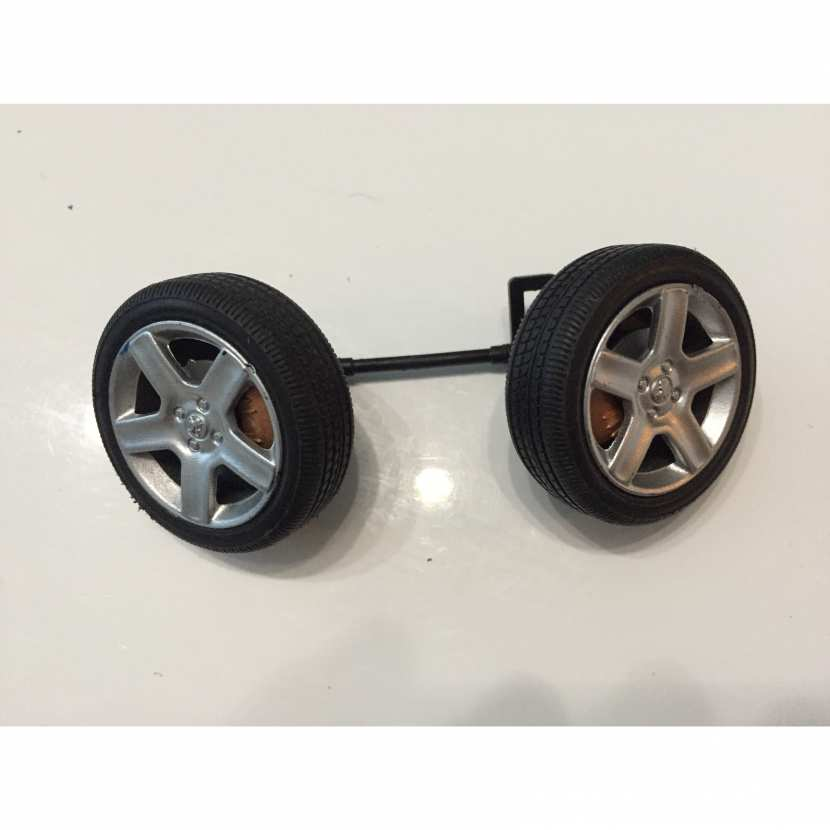 Roue jante pneu axe de roue pièce détachée modèle réduit voiture de collection miniature de taille 1/18 Peugeot 307 CC de marque solido