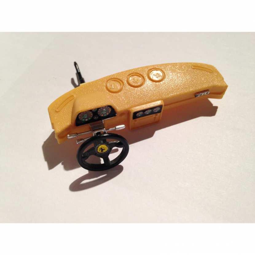 Tableau de bord avec volant pièce détachée pour voiture miniature de collection, modèle réduit Ferrari GTO de taille 1/18ème et de marque Burago